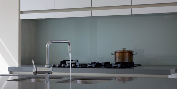 Melkglas Keuken Achterwand : Achterwanden glazz interiors gehard glas voor keuken en interieur